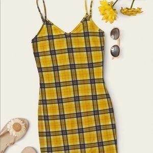 plaid dress 💛